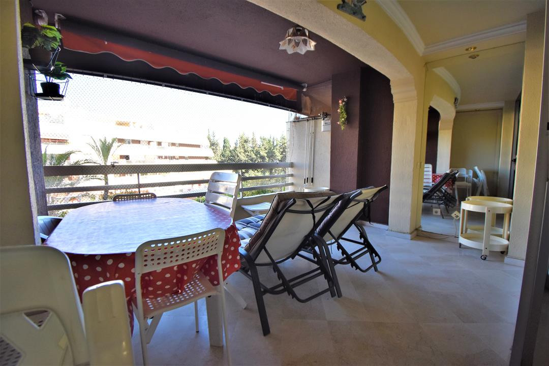 Marbella Banus Apartamento Planta Media en Venta en Marbella – R3225673