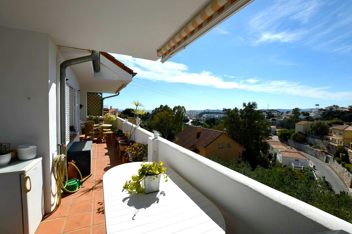 TRULY UNIQUE OPPORTUNITY TO PURCHASE A FABULOUS 4 BEDROOM DUPLEX PENTHOUSE APARTMENT,  STUNNING BREA, Spain