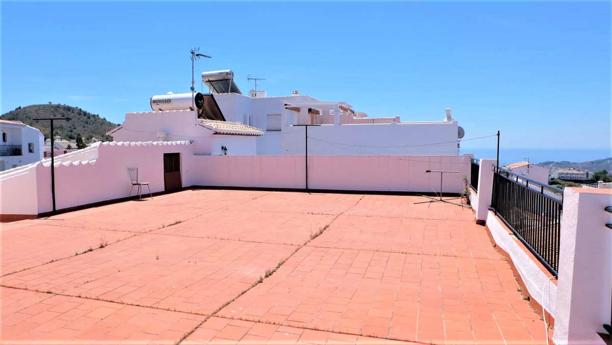 Incredible opportunity to do business with this property with 330 m2 with potential to increase to 4, Spain