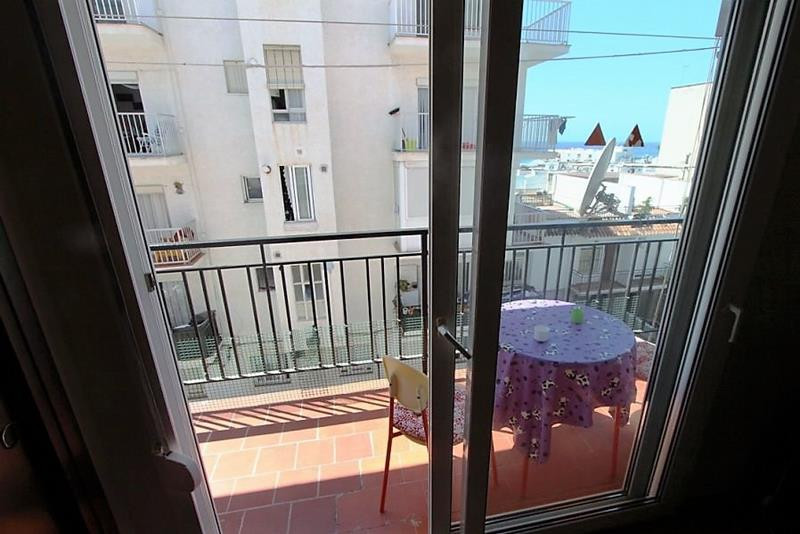 Studio on a third floor 100 metres from the  Torrecilla beach in Nerja. Views to the sea.There is a , Spain