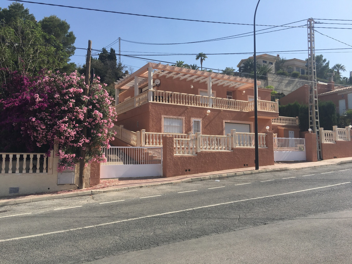 Delightful 3 bedroom villa with the main living area all on one level and a self-contained apartmentSpain