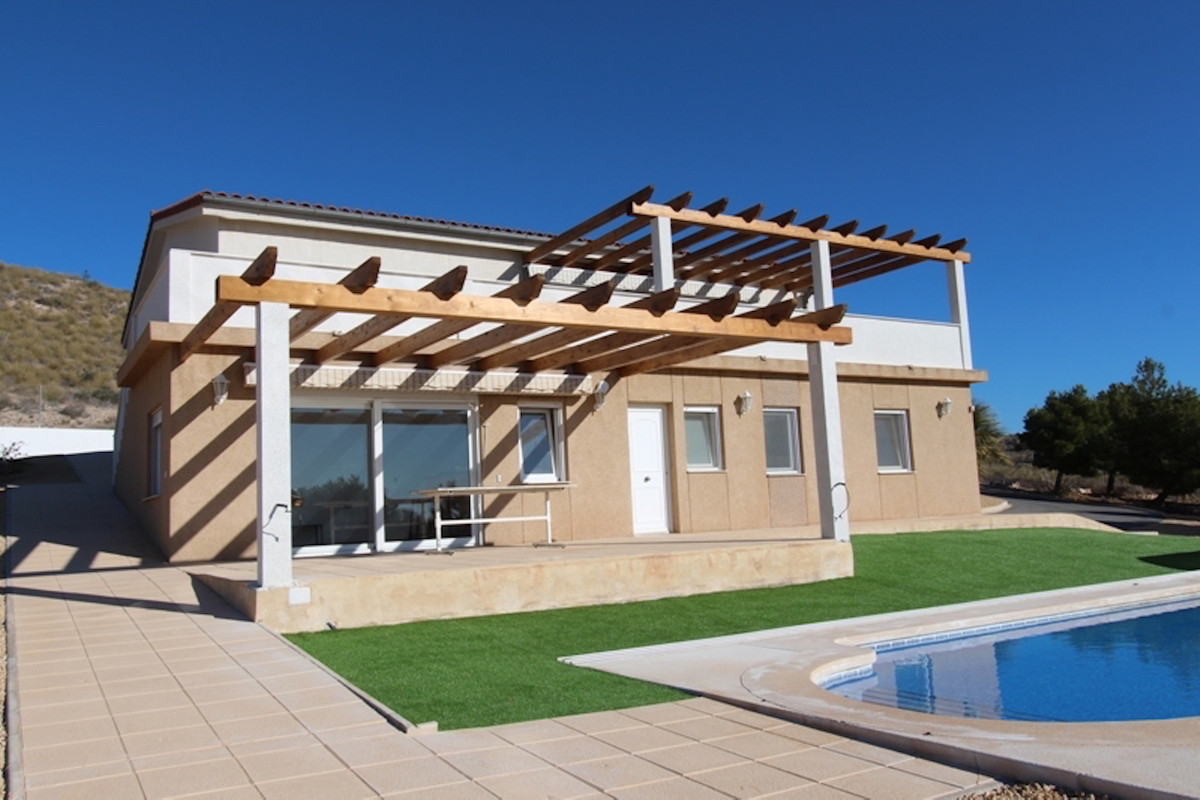 Substancial and Impressive Detached Villa in commanding location with fantastic views to the Coast, ,Spain