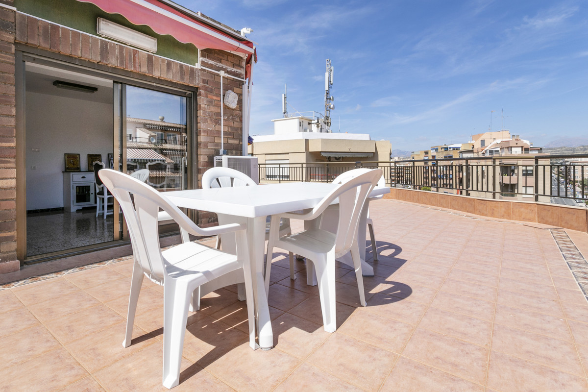 PENTHOUSE ONLY 200 METERS FROM THE SEAFRONT PROMENADE OF EL CAMPELLO CENTER  Rare, very bright apart,Spain