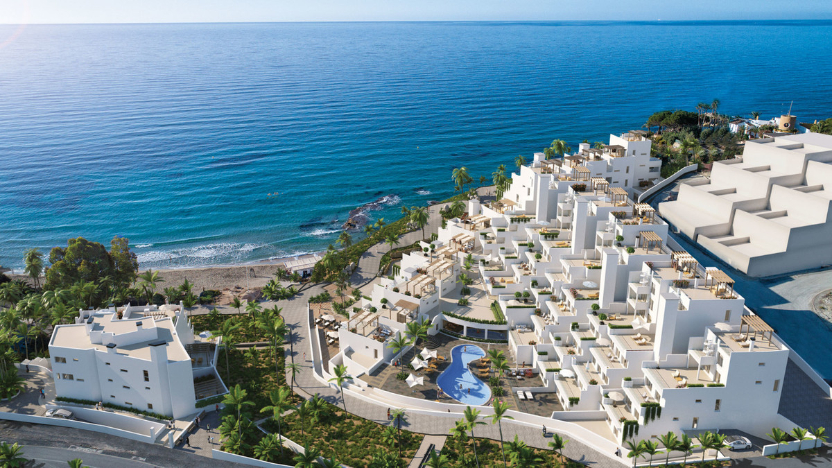 Luxury beachfront apartment in El Campello.  A 2 bedrooom apartment located directly on a beautiful , Spain