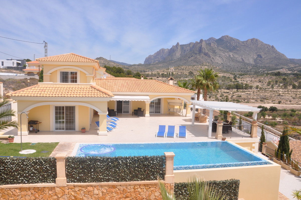Exquisite, 6 bedroom villa just 10 minutes from the beachfront at EL Campello.  This villa stands on, Spain
