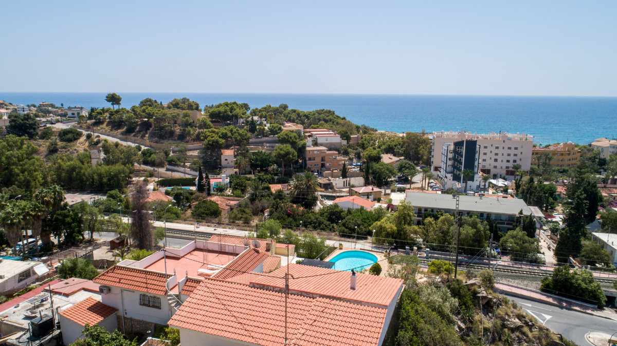 EXCLUSIVE!  Independent villa to renovate in Coveta Fuma with pool and panoramic views of the sea an, Spain