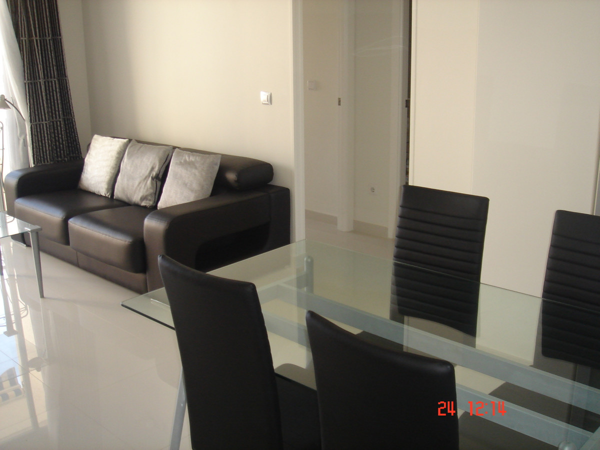 Nice and bright apartment recently renovated in one of the best areas of El Campello just 200 meters, Spain
