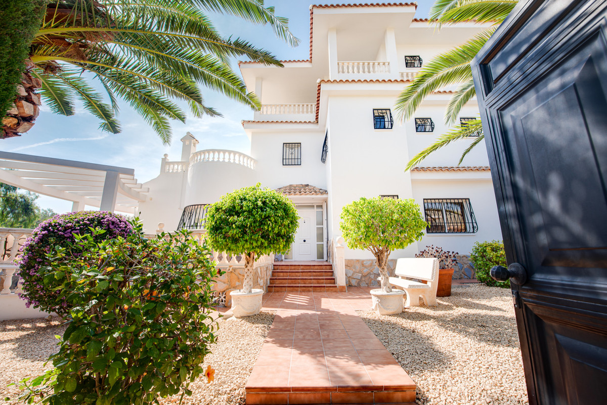 Stunning, stylish, 4 bedroom villa set in luscious grounds with pool and sea views in El Campello.  , Spain
