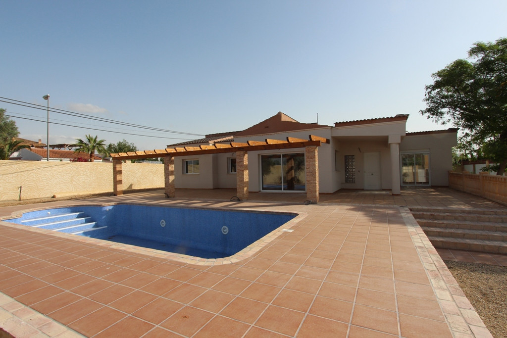 Detached Villa, Muchamiel, Costa Blanca. 4 Bedrooms, 3 Bathrooms, Built 188 m², Terrace 120 m², Gard, Spain