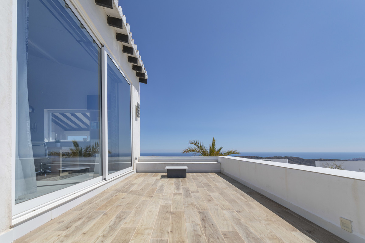 EXTRAORDINARY PANORAMIC VILLA ONLY 12 MINUTES FROM  EL CAMPELLO BEACH  This unique hill-top villa is, Spain