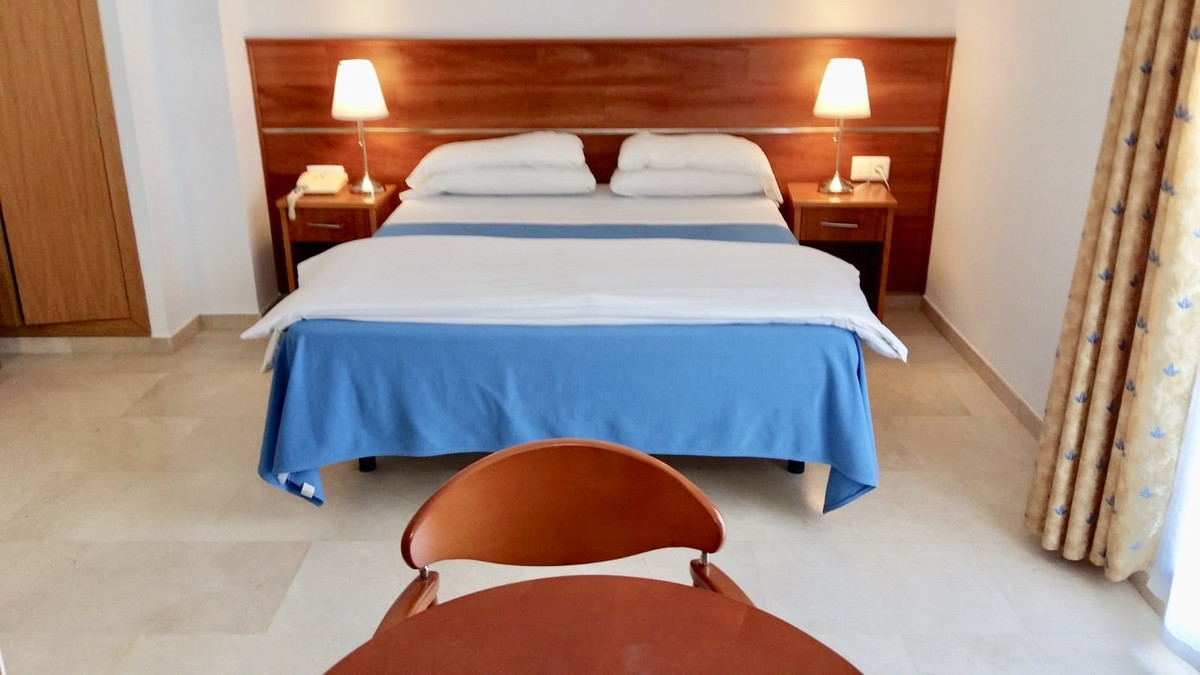 HOTEL- GOING CONCERN-PRIVATE SALE:   Magnificent and profitable hotel ideally to be run by a family., Spain