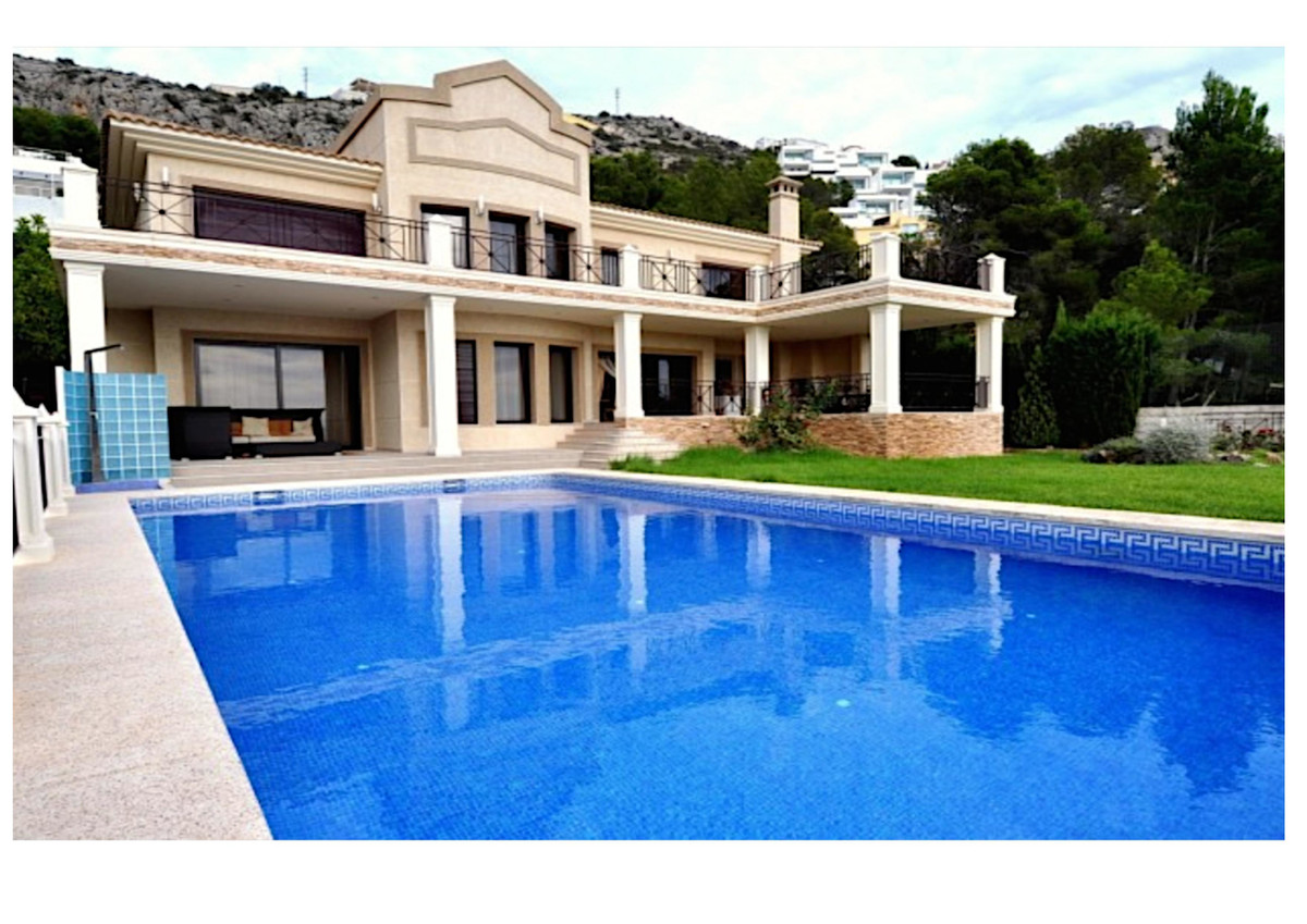 Luxurious villa in the prestigious Altea Hills residencial area located in the heart of the Costa Bl, Spain