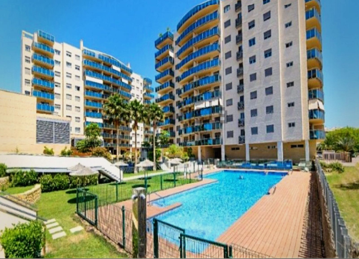 Luxurious Penthouse in a top apartment complex in El Campello, Costa Blanca. 3 Bedrooms, 2 Bathrooms, Spain