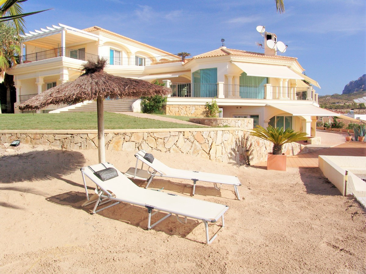 Sublime, 5 bedroom, luxury villa in Busot, just 10 minutes from the beachfront at EL Campello.  This, Spain