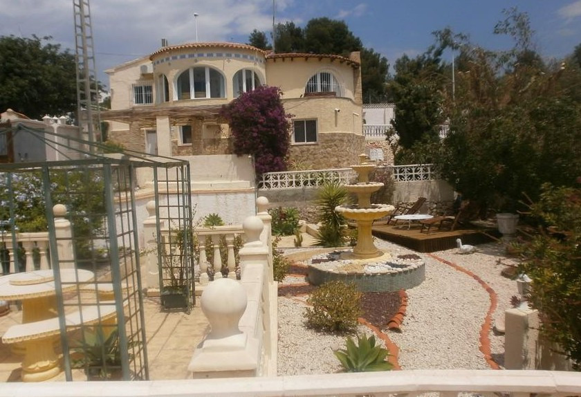 This beautiful and very well-maintained property is located in Calpe, within walking distance from t,Spain