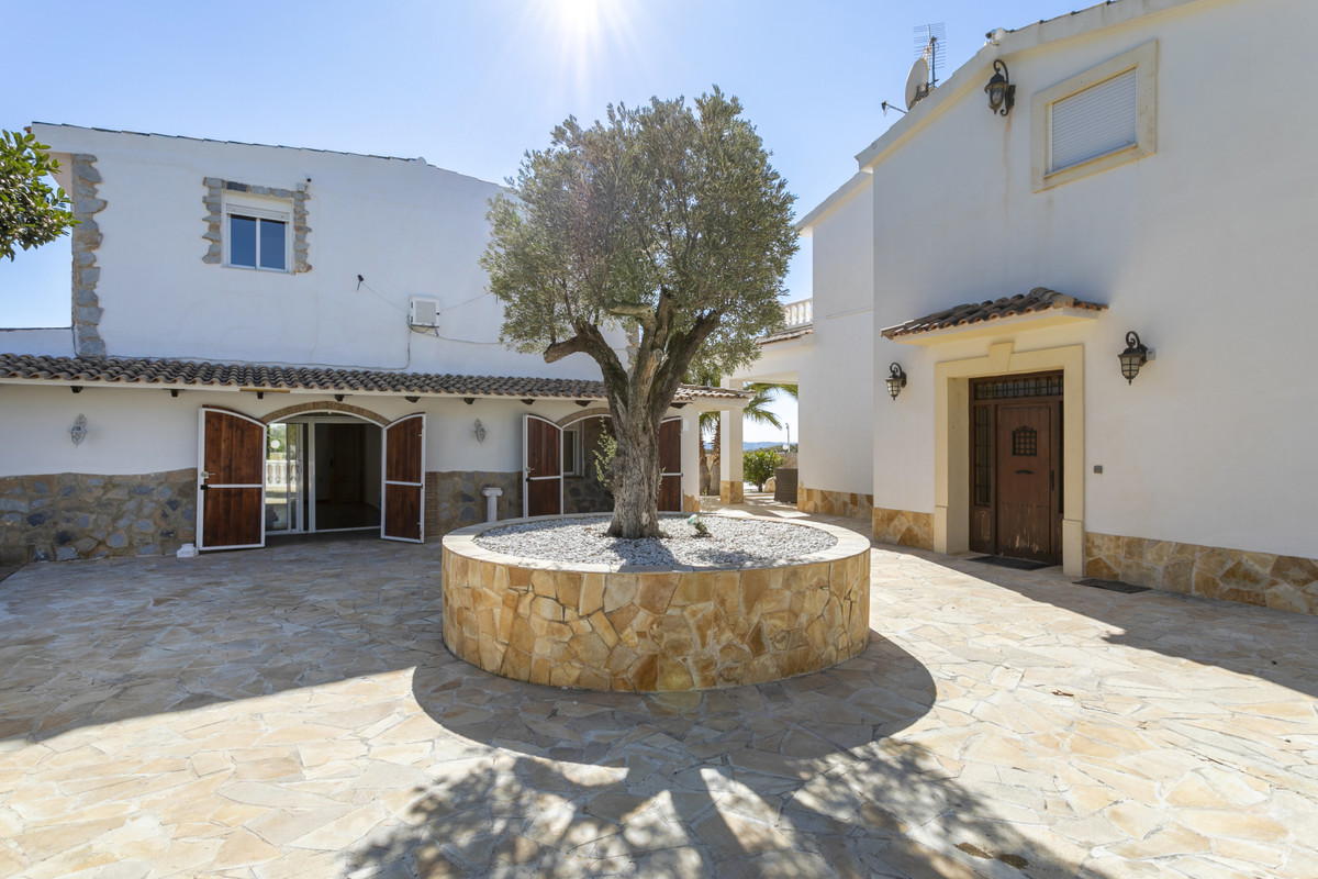 Spacious, hill top villa, with commanding sea & mountain views. Total estate comprised of 2 deta, Spain