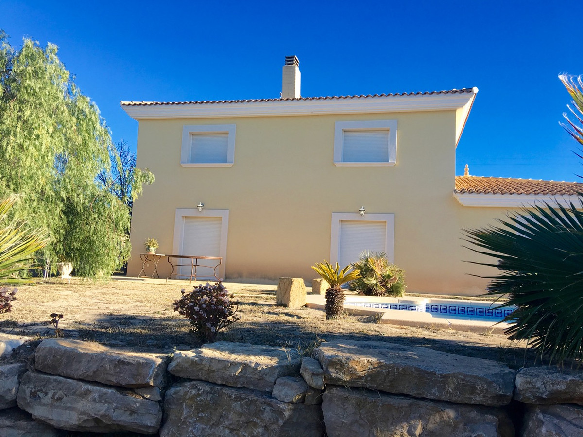 Magnificent estate in Busot, near the golf and Campello.  1990 Construction of splendid 2 storey hou, Spain