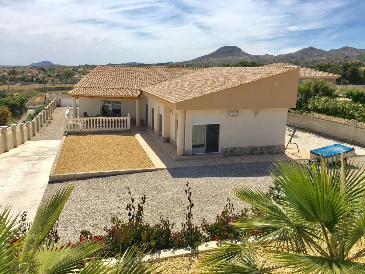 Beautiful 6 bedroom villa with private pool and a large garden of 3200m2 with views to the coast and, Spain