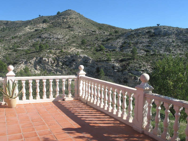 Traditional spanish style finca located 2km from the village of Aigues, 15 minutes from El Campello , Spain