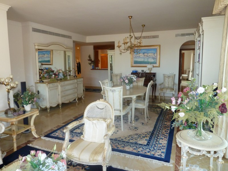 Apartment Middle Floor in La Quinta, Costa del Sol