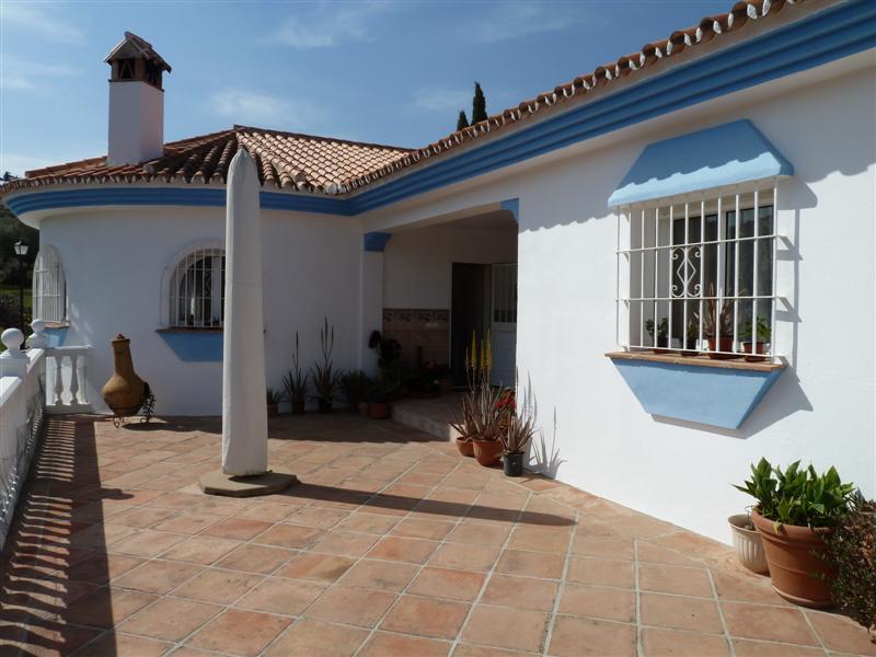 Fritliggende Villa i Monda R724195