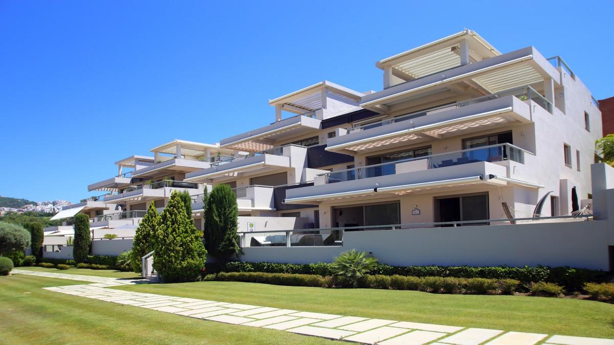 Marbella Banus Apartamento en Venta en Benahavís – R3218809