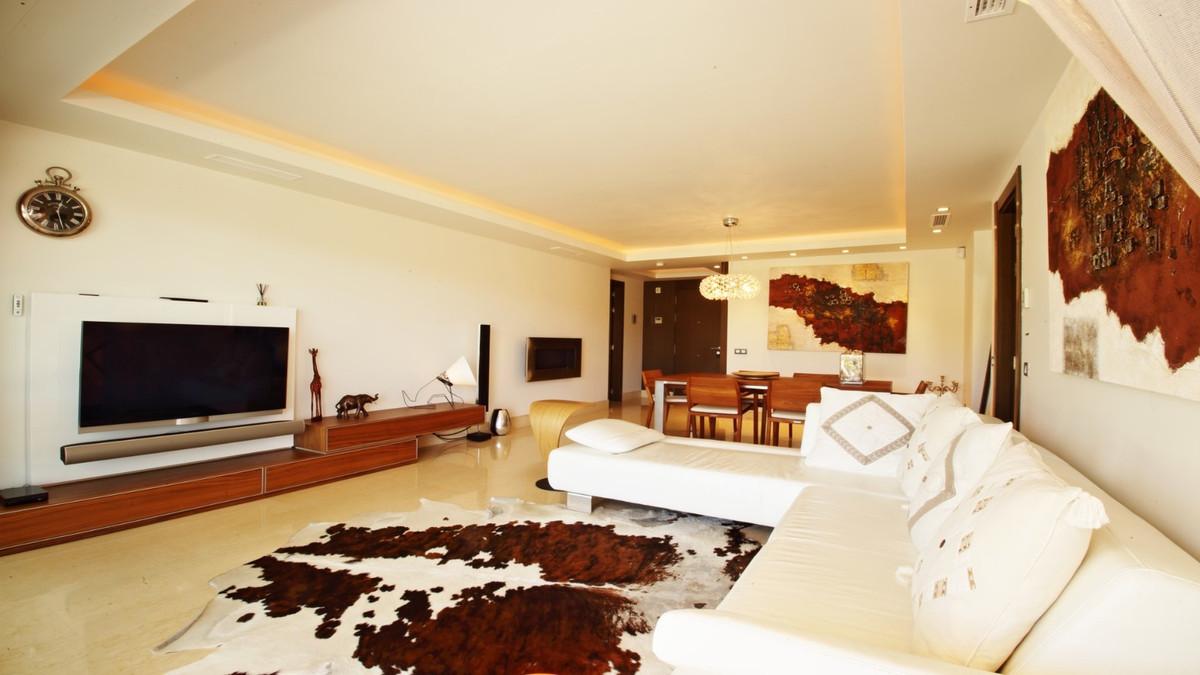 Apartment for Sale in Benahavís – R3218809