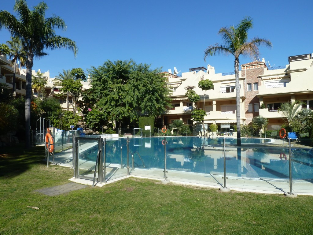 Good 2 bed/2 bath apartment in Toscana Hills. Possible to walk to the beach. Cheapest property in th, Spain
