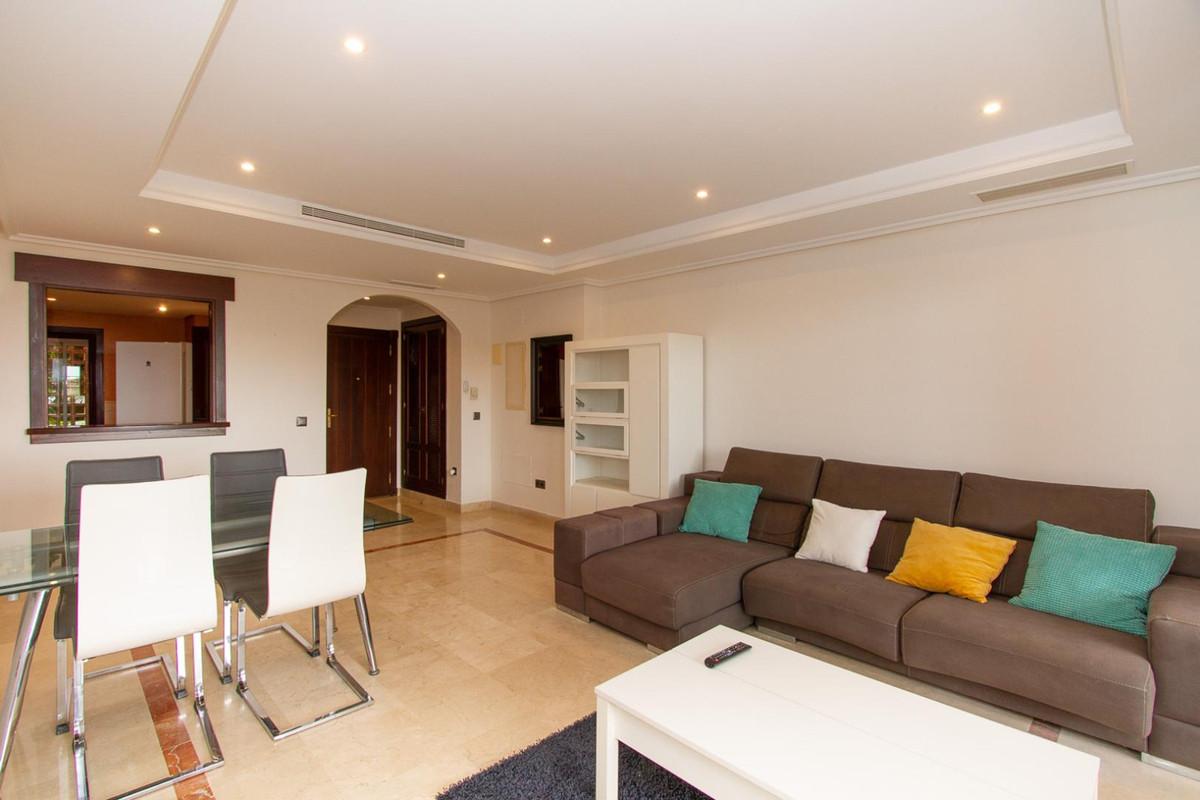 Marbella Banus Apartamento en Venta en La Mairena – R3893131
