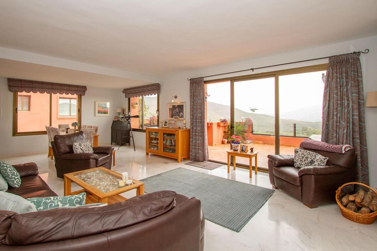 Apartamento  Planta Media en venta   en La Mairena
