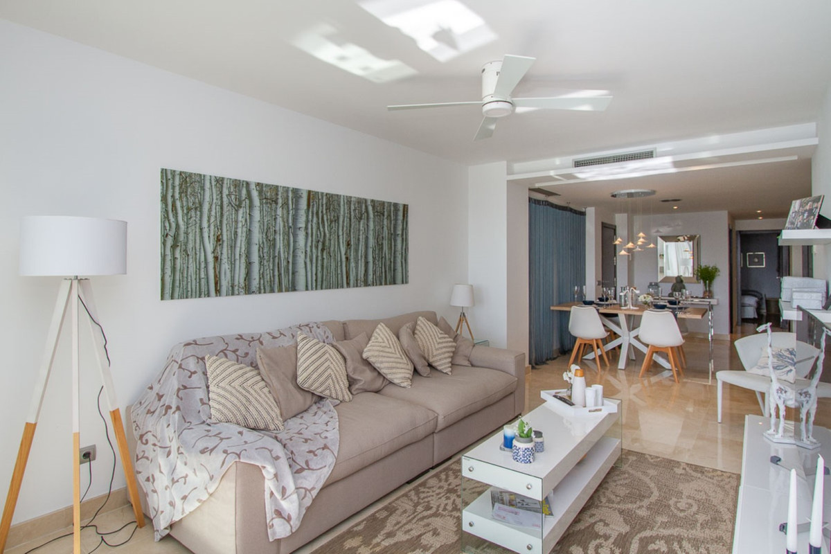 Wonderful corner ground floor three bedroom apartment with superb panoramic views and with a south w,Spain