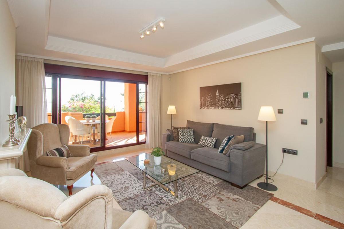Marbella Banus Apartamento en Venta en La Mairena – R3688676