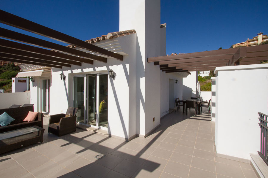 Wonderful contemporary luxury single floor penthouse with outstanding view to sea and mountains. Sou, Spain
