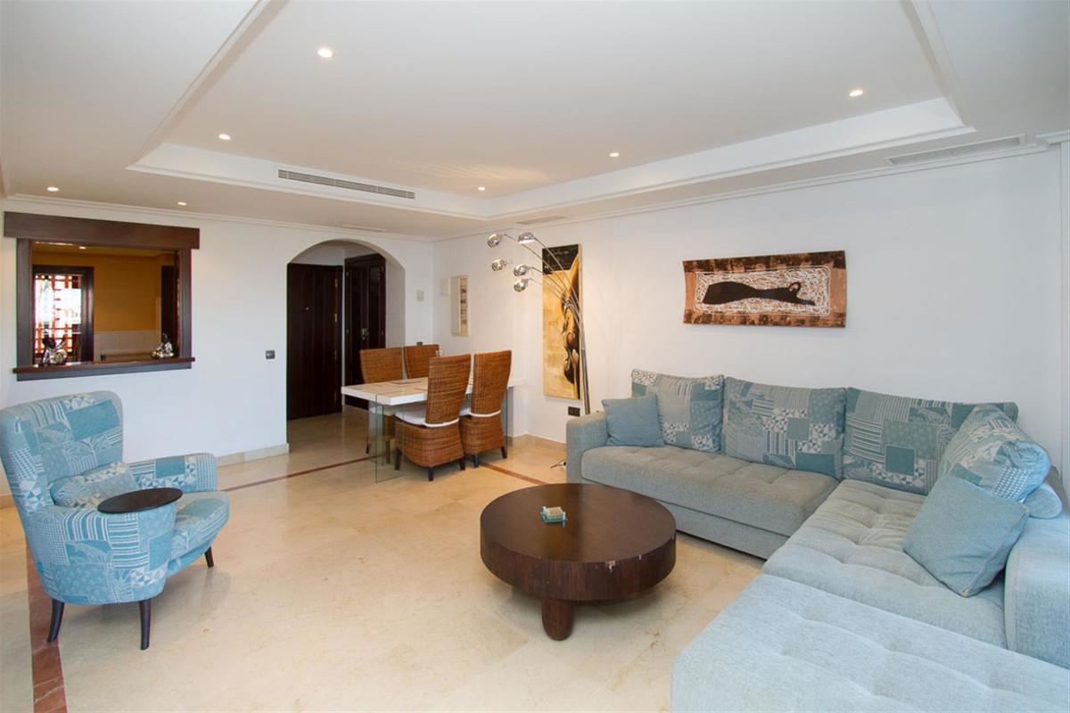 Marbella Banus Apartamento en Venta en La Mairena – R3359947