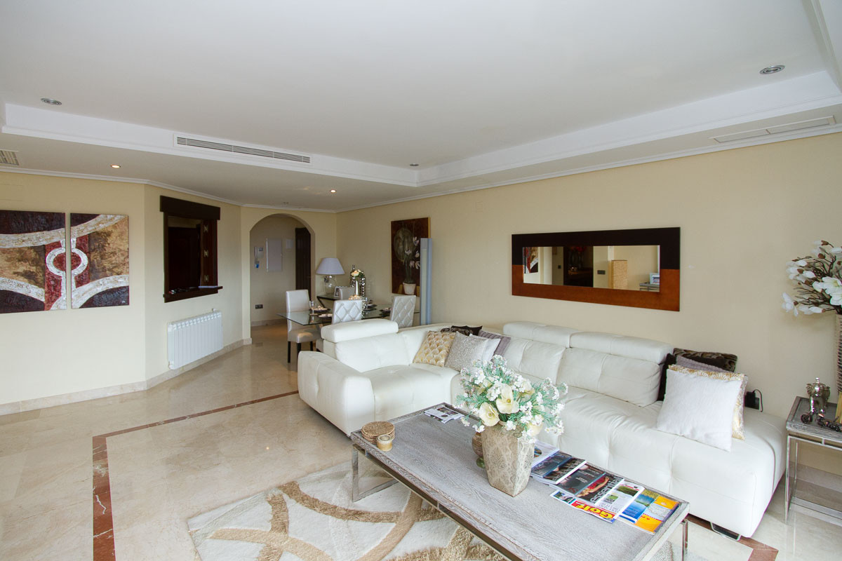 Luxury two bedroom first floor apartment on the superb El Soto de Marbella development. Recently fit, Spain
