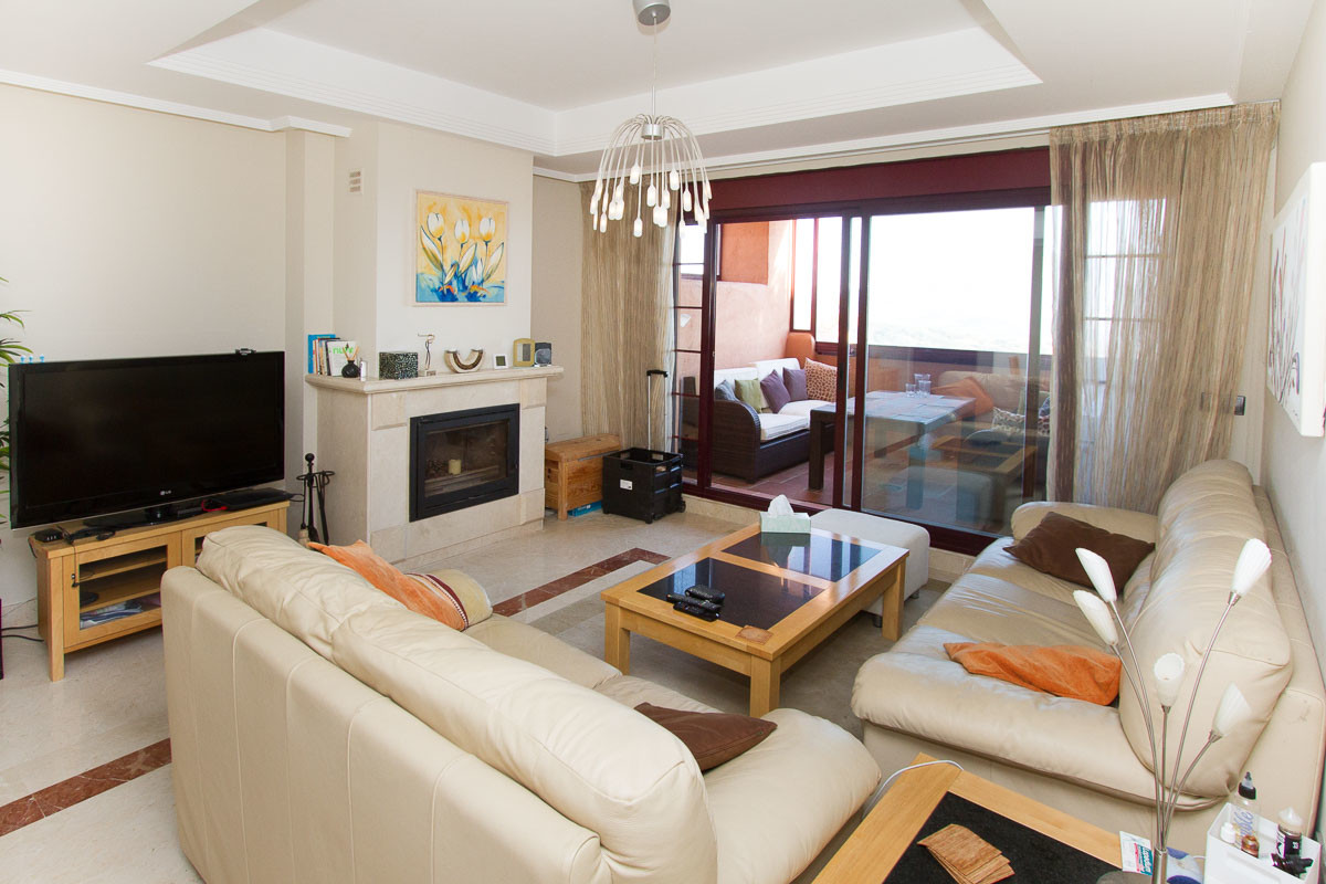 Outstanding first floor luxury apartment on the beautiful El Soto de Marbella urbanisation. Two bedr, Spain