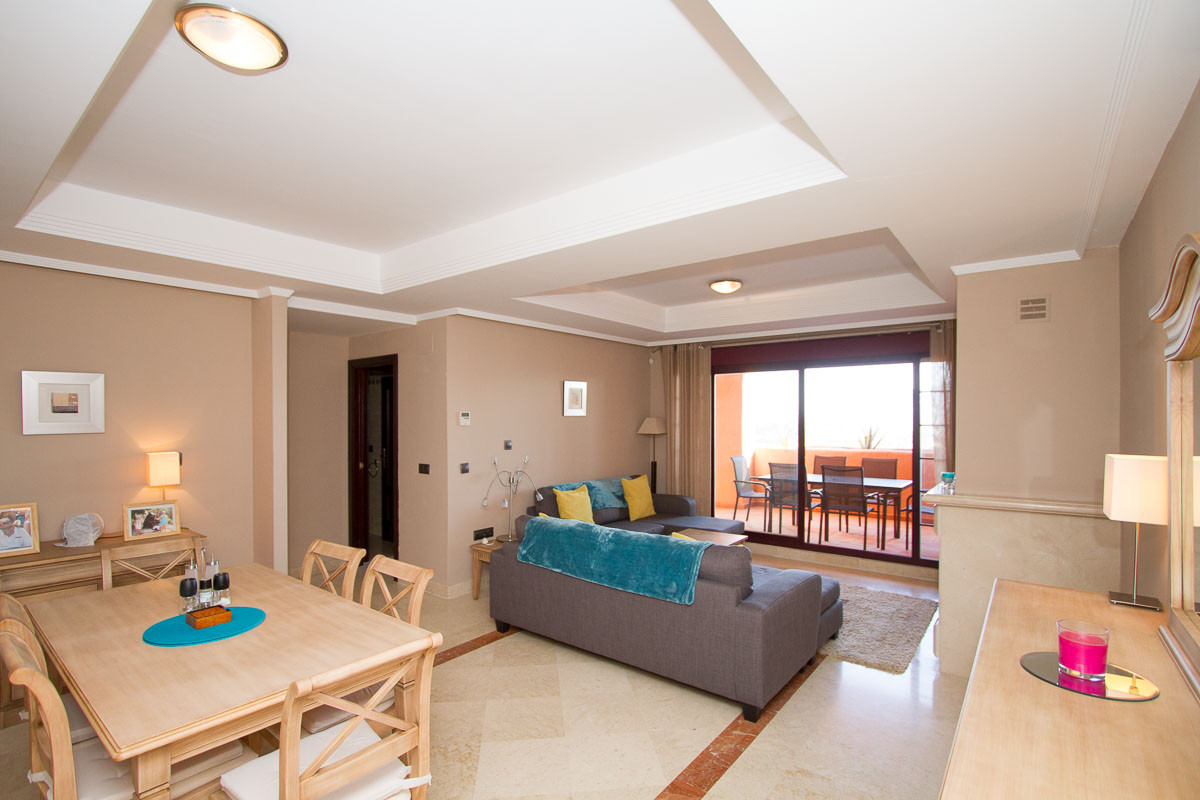 Beautiful extremely well presented two bedroom, two bathroom luxury apartment on the prestigious El , Spain