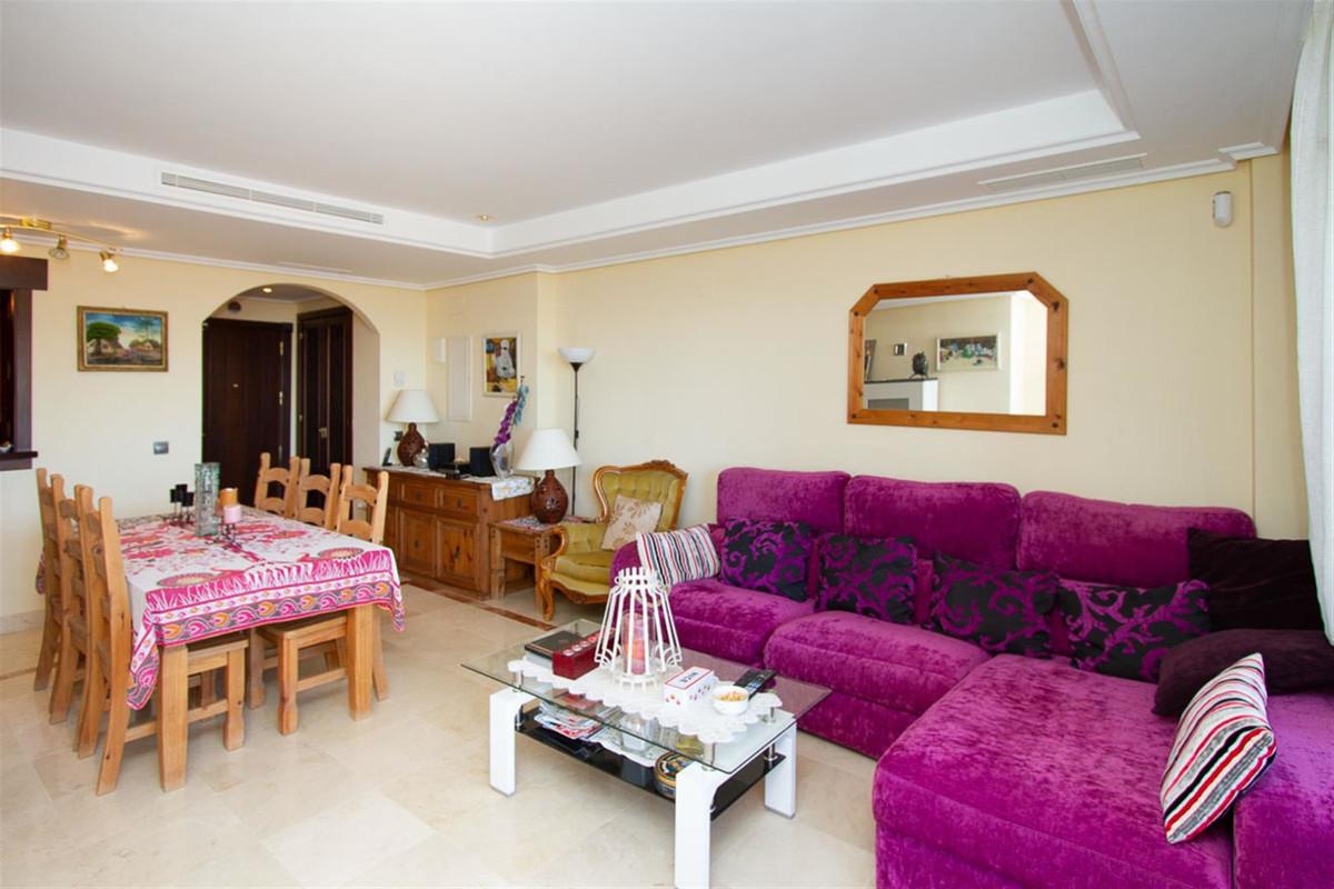 Marbella Banus Apartamento en Venta en La Mairena – R3380044