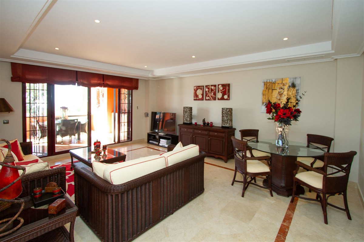Apartment, La Mairena, 215.000