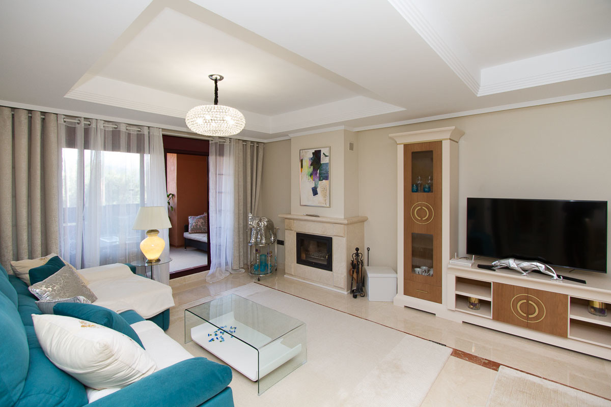 Beautiful well presented luxury ground floor apartment set on the wonderful El Soto de Marbella urba, Spain