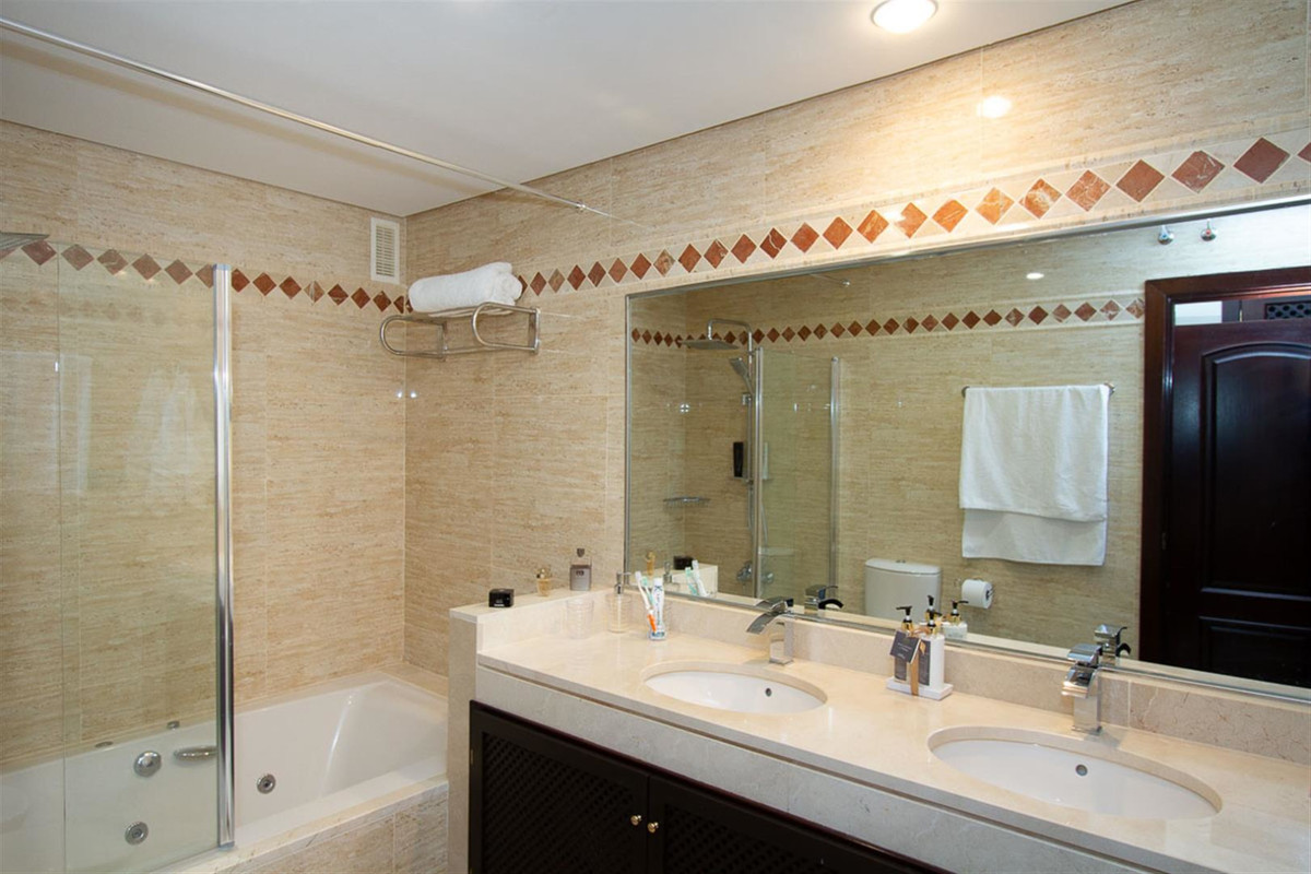 Apartamento con 2 Dormitorios en Venta La Mairena
