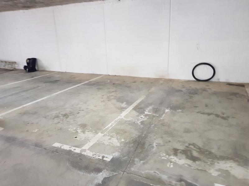 Garage in La Duquesa
