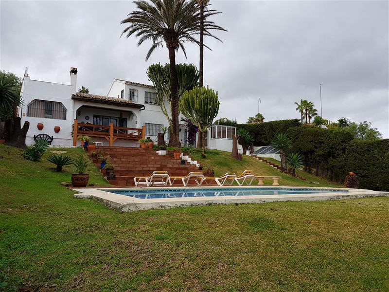 Villa – Chalet en venta, La Duquesa – R3079168