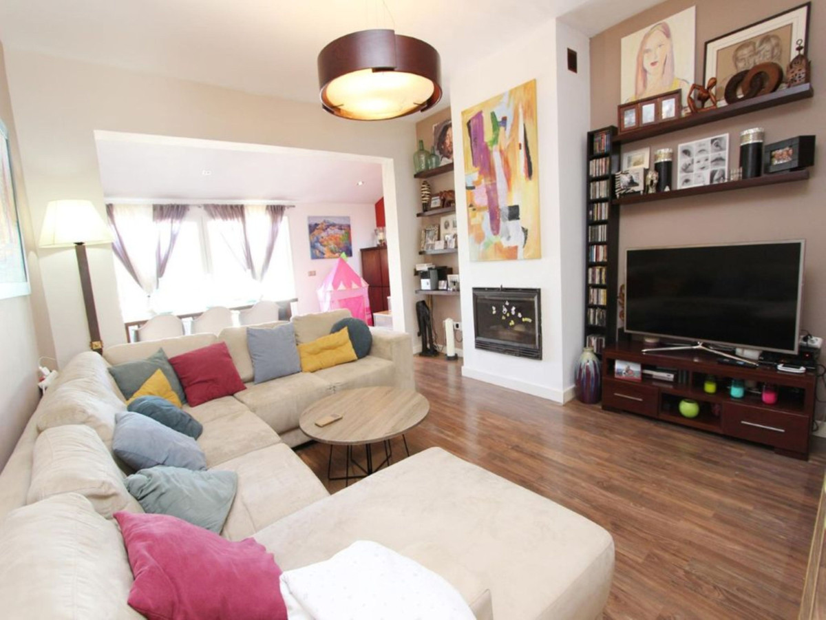 Recently completely reformed - Urb. Princesa Kristina semi-detached townhouse. Semi-Detached House, ,Spain