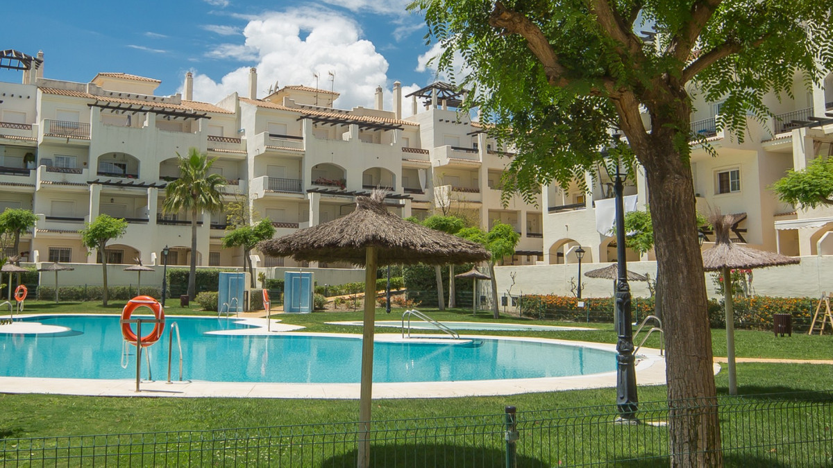 Residencial Duquesa - Excellent location, close to all amenities. South Facing corner penthouse with,Spain