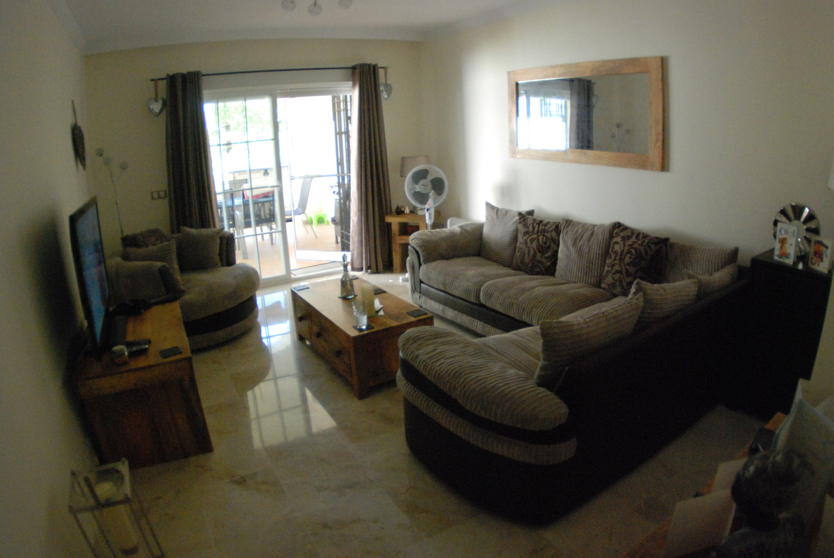 Excellent location, only 5 minutes walk to all amenities and 10 minutes walk to Puerto de la Duquesa,Spain