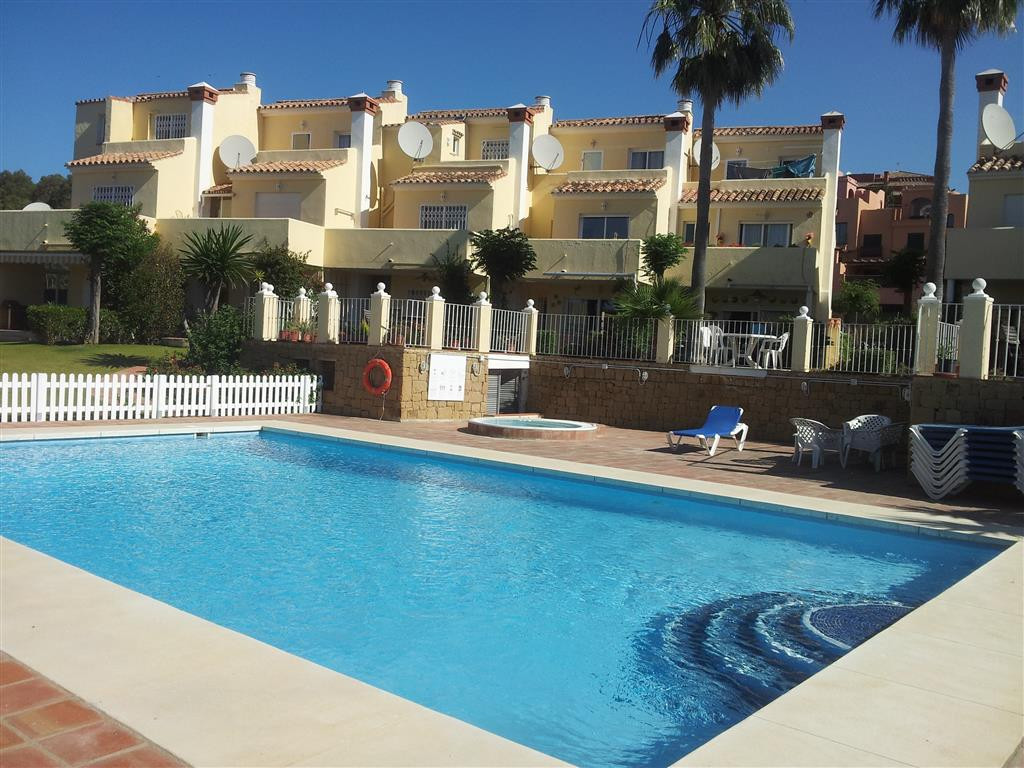 3-bed-Terraced Townhouse for Sale in La Duquesa
