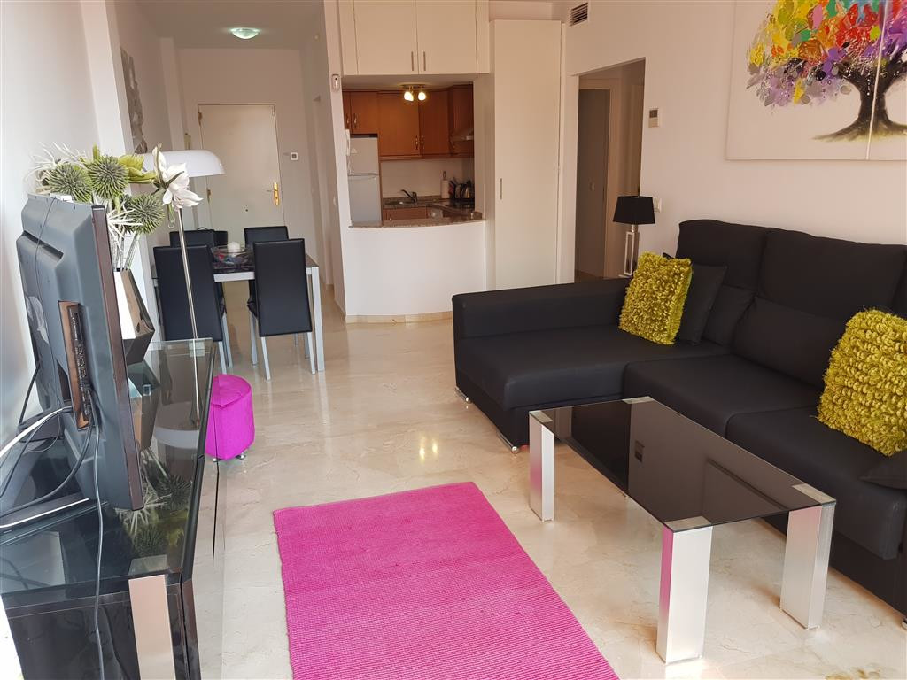 Modern top floor apartment with a large roof top solarium,. Top Floor Apartment, La Duquesa, Costa d,Spain