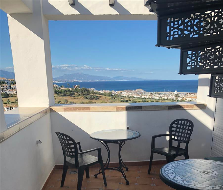 PENTHOUSE - Fantastic sea, mountain and golf course views.  Very well maintained and secure urbanisa,Spain