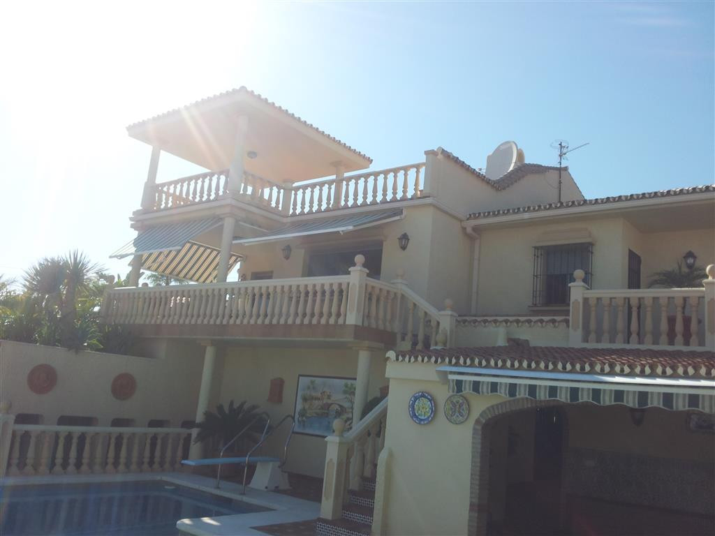 Ref:R2077551 Villa For Sale in Manilva